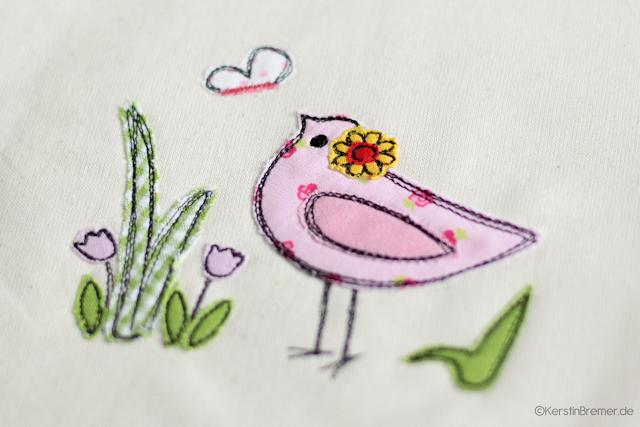 Charmantes Vögelchen mit Blume ♥